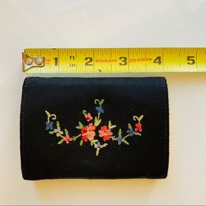 VINTAGE Coin Purse - Embroidered Florals & Snap